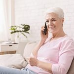 a senior receiving house calls from her hospice care provider