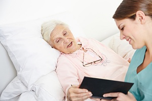 older woman using the benefits of hospice care for dementia patients