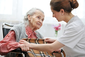 woman discussing if medicare covers hospice care