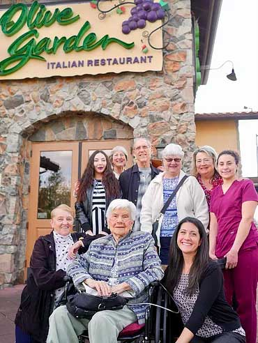 maries-party-at-olive-garden